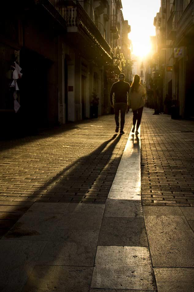 carrer de l'argent igualada llum de final de tarda capvespre