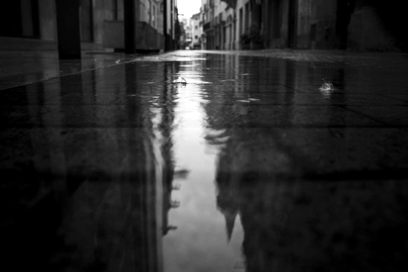 pluja carrer santa maria igualada reflexe cal ratés