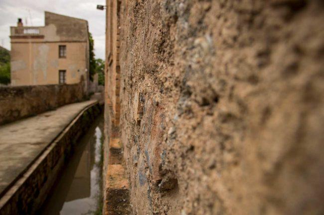 rec igualada parets antigues